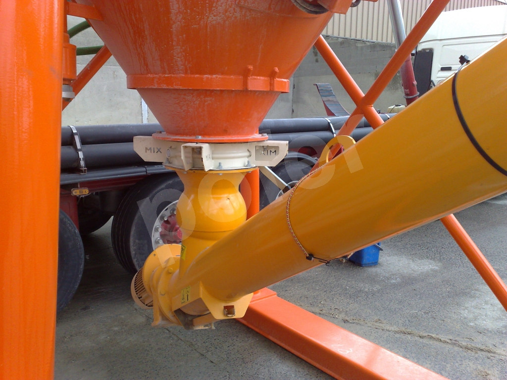 screw conveyor is momentous to concrete Screw conveyors move many different materials from one location to another in factories and production facilities the design of the screw conveyor means that once it.